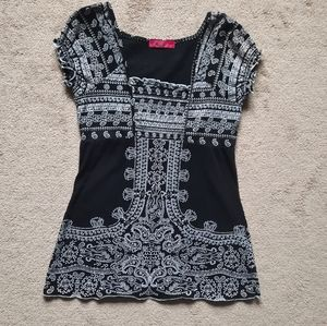 Almost Famous Boho black and white top